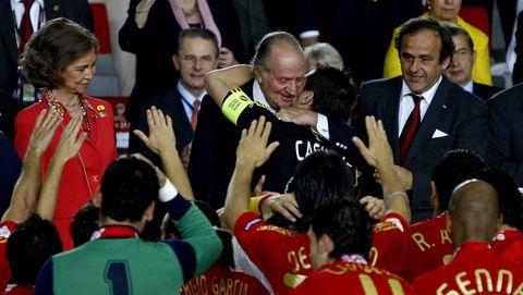 Don Juan Carlos presenció desde el palco de Viena el triunfo de España sobre Alemania que supuso la segunda Eurocopa para las vitrinas de la FEF.