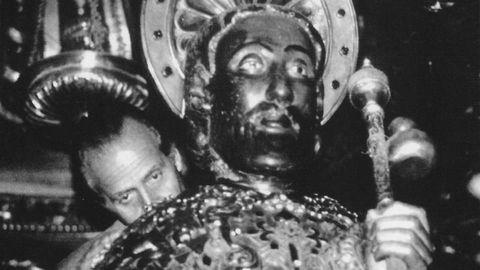 Abrazo al Apóstol Santiago, en 1991.