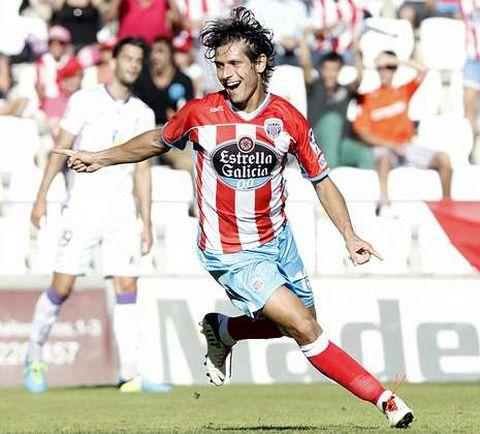 Pablo Sánchez festeja el gol que le marcó al Jaén en el Ángel Carro en la tercera jornada.