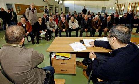 La asamblea de los comuneros tuvo lugar en el colegio de O Toural.