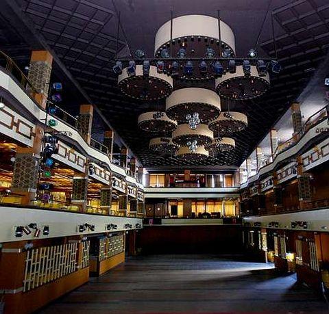 Espectacular interior de la sala El Seijal.