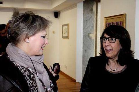 Luma Gómez ?dereita? departe na presentación con Marisa Álvarez.