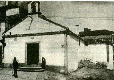 La pequeña ermita estaba situada al final de la calle San Juan.