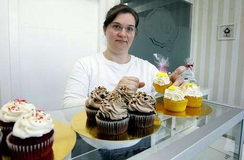 Jessica destina a la película lo que recauda cada día con la venta del cupcake que lleva su nombre.
