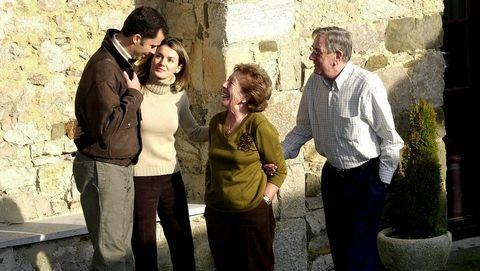 Los príncipes, en una visita a los abuelos paternos de Letizia Ortiz en Ribadesella, en 2014