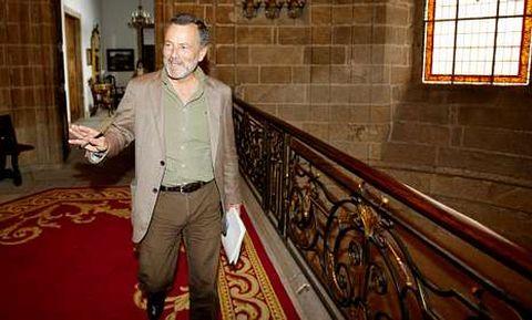 Agustín Hernández guarda con celo la estructura y organización del nuevo ejecutivo local.
