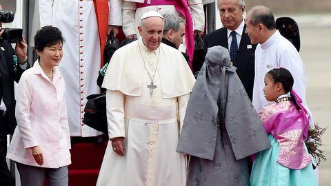 El papa Francisco llega a Corea del Sur