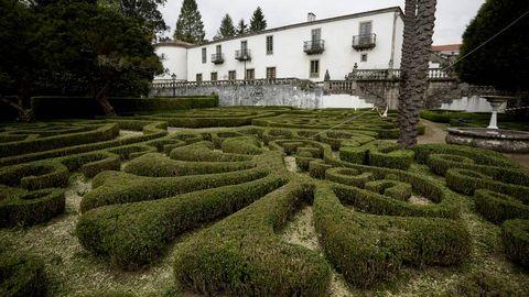 El Pazo de Mariñan en Bergondo cuenta con un gran jardines francés junto al río Mandeo