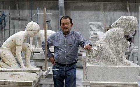 Enrique Velasco derrocha pasión por la cantería, a la que afirma que debemos nuestro patrimonio.
