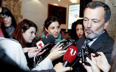 El alcalde dice que no se siente «<span lang= gl >nin máis nin menos aliviado</span>» con la marcha de Currás.