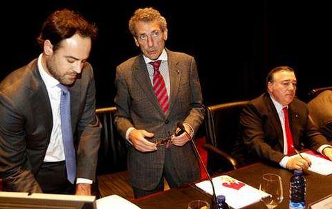 El presidente Carlos Mouriño durante un momento de la junta general de accionistas del año pasado.