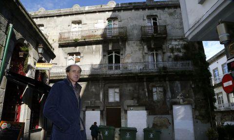 El estado de conservación de la casa (Oliva esquina a A Laxe) es muy deficiente.