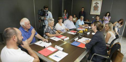 Dirigentes de las cofradías y de la Diputación firmaron el último convenio de cooperación en Celeiro.