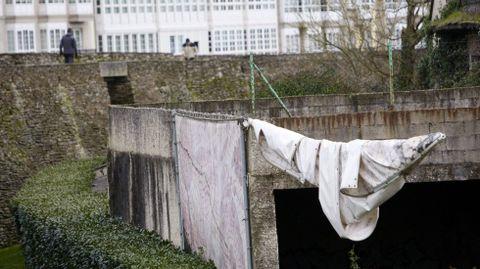 Feísmo al lado de la muralla de Lugo