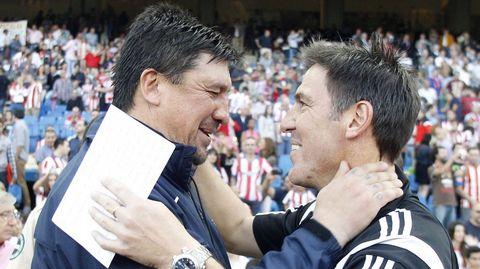 Burgos y Berizzo se saludaron afectuosamente en su reencuentro en el Vicente Calderón.