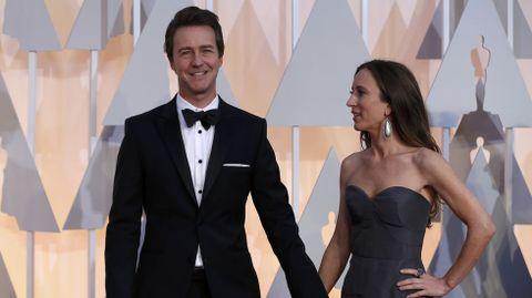 Edward Norton con su mujer Shauna