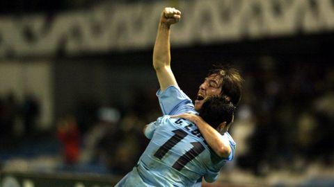 Gustavo López y Berizzo celebran un gol en el Celta-Brujas de Champions de noviembre del 2003.
