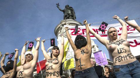 Femen en París