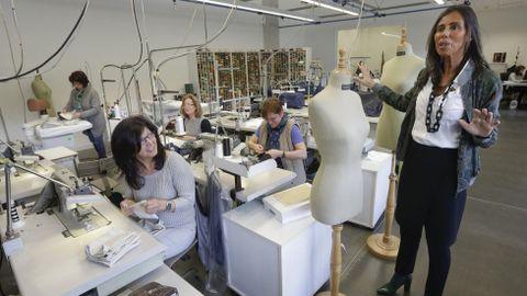 Felipa Jove, presidenta de Caramelo, en el área de patronaje de la nueva sede de la textil.