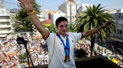 Recibimiento en Cangas tras haber ganado dos medallas en Atenas 2004.