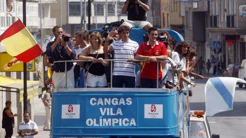 Recibimiento en Cangas junto a Perucho y a Teresa Portela tras los Juegos de Pekín.