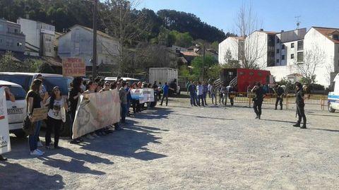 Protesta antitaurina durante la Pascua de Padrón.