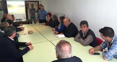 Unións Agrarias organizó una charla para productores locales de manzana.