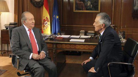 Entrevista de Jesús Hermida en el año 2013 al entonces rey don Juan Carlos I, con motivo del 75 aniversario del monarca.