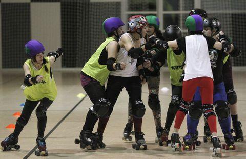 Hasta el momento el roller derby es una modalidad mayoritarimente femenina.
