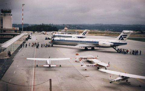 Imagen de los aviones de Aviaco que cubrían las nuevas rutas de Madrid y Barcelona.