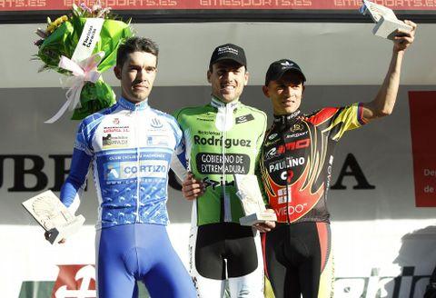 De izquierda a derecha, Pedro Grégori, Pablo Guerrero y Jaime Vergara en el podio.