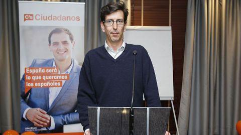 El candidato de Ciudadanos, Folla Cisneros, se quedó fuera de María Pita.