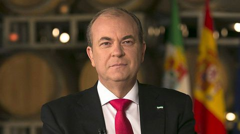 EXTREMADURA. El candidato popular y actual presidente, Monago, ha logrado dos escaños menos que el PSOE.