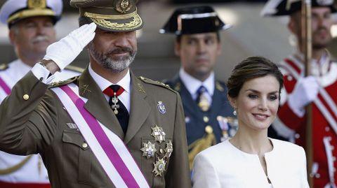 Felipe VI ha presidido por primera vez como rey el Día de las Fuerzas Armadas