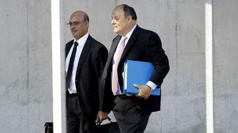 Javier García de Paredes (a la derecha), ex director adjunto