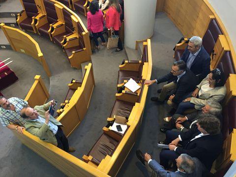 Los diputados se hicieron fotos de recuerdo de su paso por el ente provincial