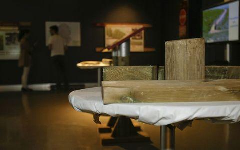 Una de las mesas de la exposición «Caminos Naturales». rubén gasalla