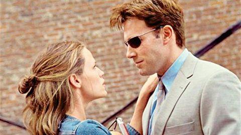 Ben Affleck y Jennifer Garner coincidieron en el rodaje de «Pearl Harbour» en 2001 pero fue en «Daredevil», dos años más tarde, donde se acercaron. Finalmente se casaron en 2005.
