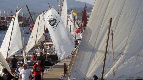 Encontro de embarcacions tradicionais en cabo de Cruz