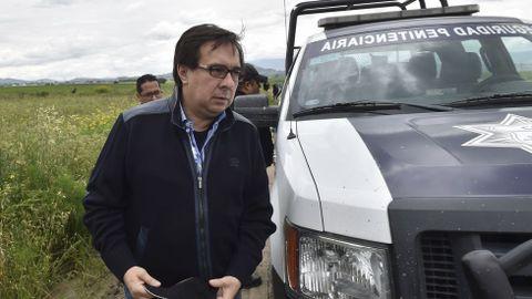 El director de la Agencia de Investigación Crimina de México llega a la casa en la que terminaba el túnel de «El Chapo»