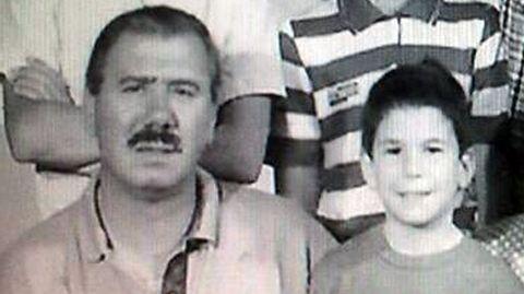 Pedrito y el cantante Lucas González, el menor de sus hijos, en una foto familiar.