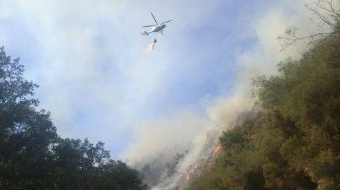 Los medios aéreos trabajan en la zona conocida como Val Rao