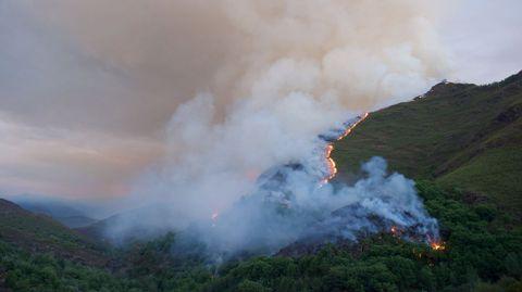El incendio provocó una gran humareda, visible desde largas distancia