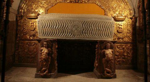 El sarcófago es una de las piezas más relevantes del museo, junto con el relicario.