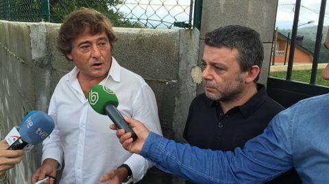 El abogado de la familia con Paco Serén, otro miembro de Los Piratas