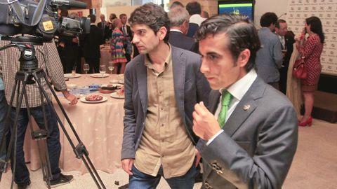 El exalcalde José Manuel Rey y el actual regidor Jorge Suárez dialogaron durante la ceremonia de botadura del flotel en Navantia tras la denuncia efectuada por el gobierno local