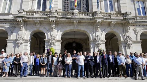 Minuto de silencio en el concello de A Coruña