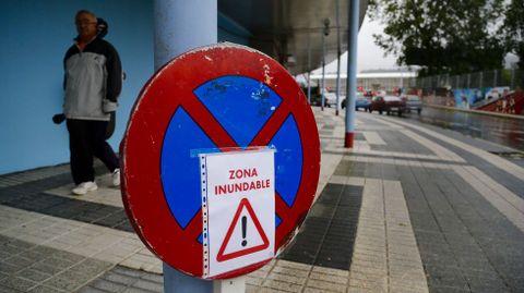 Avisos en la zona de Balaídos, en Vigo.