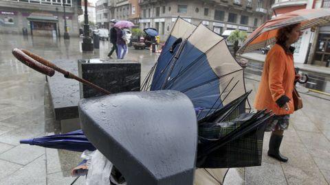 Paraguas rotos en Vilagarcía