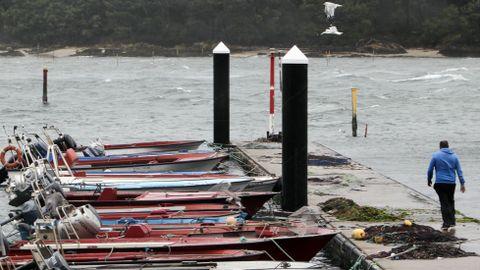 Embarcaciones amarradas en Carril